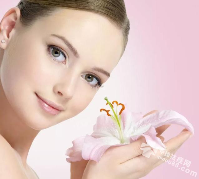 勤洗脸就能清洁毛孔了吗?