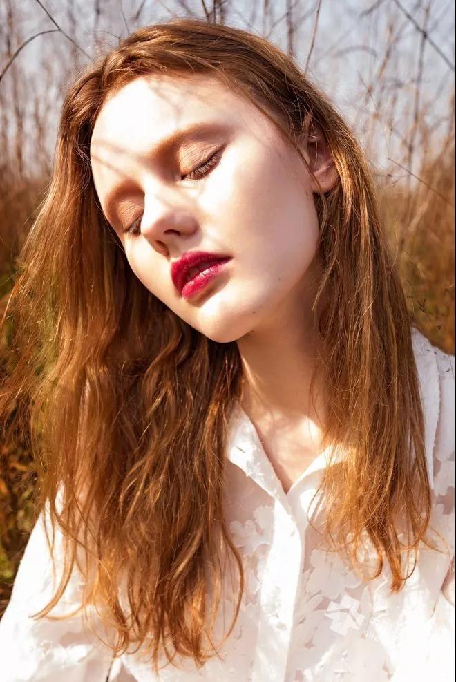 据说烟酰胺会造成汗毛增粗增长,而且是真的