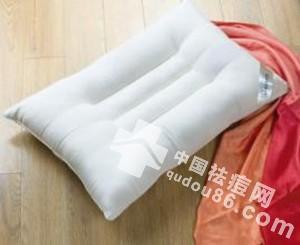 关于<a href=http://www.qudou86.com/tag/qingchundou/ target=_blank ><a href=http://www.qudou86.com/tag/qingchun/ target=_blank >青春</a><a href=http://www.qudou86.com/tag/dou_3982/ target=_blank >痘</a></a>的那些事