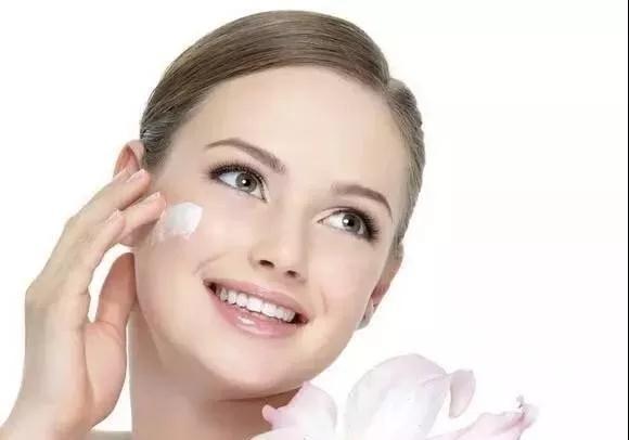 敏感肌肤脸上有红血丝怎么办用什么护肤品好